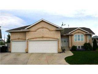 Main Photo: 879 Manor Bay: Martensville Single Family Dwelling for sale (Saskatoon NW)  : MLS®# 403705