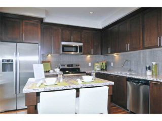 """Photo 3: 118 1460 SOUTHVIEW Street in Coquitlam: Burke Mountain Townhouse for sale in """"CEDAR CREEK"""" : MLS®# V917929"""