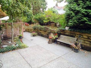 "Photo 9: 4 5201 OAKMOUNT Crescent in Burnaby: Oaklands Townhouse for sale in ""HARTLANDS"" (Burnaby South)  : MLS®# V921209"