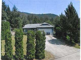 "Photo 1: 41882 GOVERNMENT RD in Squamish: Brackendale House for sale in ""Brackendale"" : MLS®# V911313"