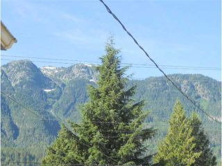 "Photo 9: 41882 GOVERNMENT RD in Squamish: Brackendale House for sale in ""Brackendale"" : MLS®# V911313"
