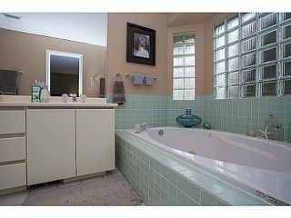 Photo 13: 17155 26A Avenue in Surrey: Grandview Surrey House for sale (South Surrey White Rock)  : MLS®# F1409954