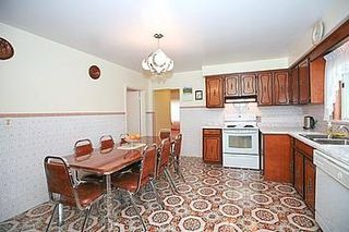 Photo 2: 23 Hancock Crest in Toronto: Wexford-Maryvale House (Bungalow) for sale (Toronto E04)  : MLS®# E3063654