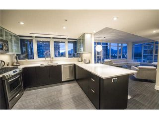 """Photo 11: 1702 1205 W HASTINGS Street in Vancouver: Coal Harbour Condo for sale in """"CIELO"""" (Vancouver West)  : MLS®# V1131445"""