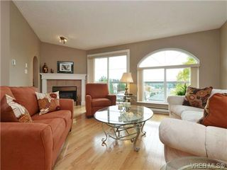Photo 2: 2324 Evelyn Hts in VICTORIA: VR Hospital Single Family Detached for sale (View Royal)  : MLS®# 713463
