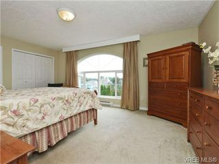 Photo 11: 2324 Evelyn Hts in VICTORIA: VR Hospital Single Family Detached for sale (View Royal)  : MLS®# 713463