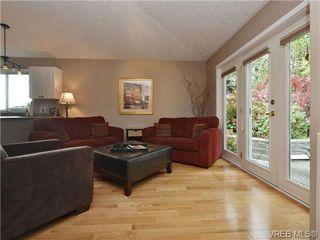 Photo 8: 2324 Evelyn Hts in VICTORIA: VR Hospital Single Family Detached for sale (View Royal)  : MLS®# 713463