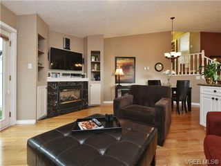 Photo 9: 2324 Evelyn Hts in VICTORIA: VR Hospital Single Family Detached for sale (View Royal)  : MLS®# 713463