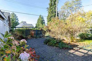 "Photo 19: 2723 MCKENZIE Avenue in Surrey: Crescent Bch Ocean Pk. House for sale in ""CRESCENT BEACH"" (South Surrey White Rock)  : MLS®# R2046260"