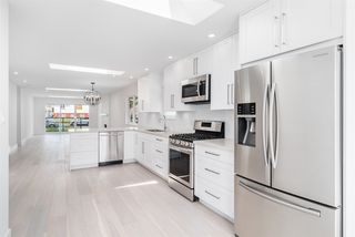 Photo 8: 2490 E PENDER Street in Vancouver: Renfrew VE House for sale (Vancouver East)  : MLS®# R2066013