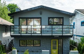 Photo 1: 2490 E PENDER Street in Vancouver: Renfrew VE House for sale (Vancouver East)  : MLS®# R2066013
