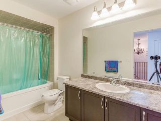 Photo 7: 9 Dufay Road in Brampton: Northwest Brampton House (2-Storey) for sale : MLS®# W3555319