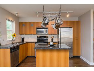 """Photo 7: 155 20033 70TH Avenue in Langley: Willoughby Heights Townhouse for sale in """"DENIM II"""" : MLS®# R2091799"""