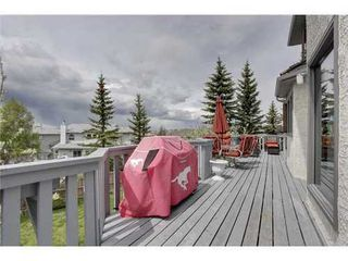 Photo 18: 126 HAWKVIEW MANOR Court NW in Calgary: 2 Storey Split for sale : MLS®# C3525353