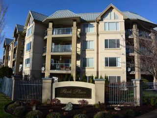 Photo 1: 203 950 LORNE STREET in : South Kamloops Apartment Unit for sale (Kamloops)  : MLS®# 137729