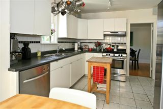 Photo 10: 3012 W 14TH Avenue in Vancouver: Kitsilano House for sale (Vancouver West)  : MLS®# R2149932