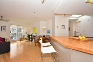 """Photo 2: 402 2023 FRANKLIN Street in Vancouver: Hastings Condo for sale in """"Leslie Point"""" (Vancouver East)  : MLS®# R2152702"""