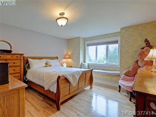 Photo 14: 614 Southwood Drive in VICTORIA: Hi Western Highlands Single Family Detached for sale (Highlands)  : MLS®# 377414