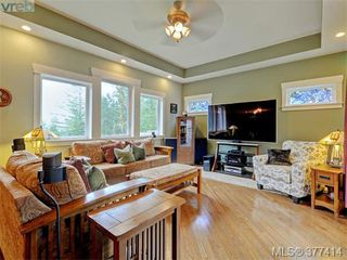 Photo 8: 614 Southwood Drive in VICTORIA: Hi Western Highlands Single Family Detached for sale (Highlands)  : MLS®# 377414