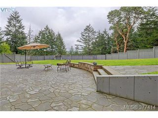 Photo 19: 614 Southwood Drive in VICTORIA: Hi Western Highlands Single Family Detached for sale (Highlands)  : MLS®# 377414