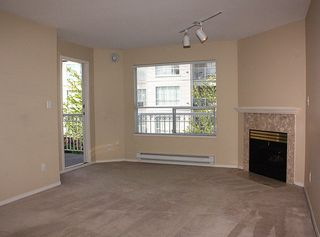 """Photo 3: 206 9946 151 Street in Surrey: Guildford Condo for sale in """"Westchester Place"""" (North Surrey)  : MLS®# R2169746"""