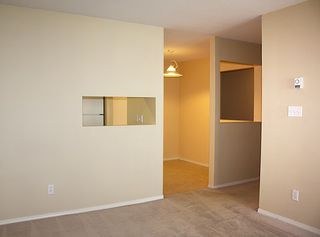 """Photo 6: 206 9946 151 Street in Surrey: Guildford Condo for sale in """"Westchester Place"""" (North Surrey)  : MLS®# R2169746"""