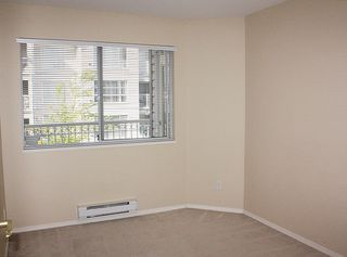 """Photo 16: 206 9946 151 Street in Surrey: Guildford Condo for sale in """"Westchester Place"""" (North Surrey)  : MLS®# R2169746"""