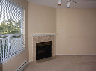 """Photo 4: 206 9946 151 Street in Surrey: Guildford Condo for sale in """"Westchester Place"""" (North Surrey)  : MLS®# R2169746"""