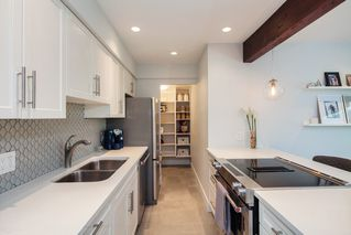 """Photo 9: E2 1100 W 6TH Avenue in Vancouver: Fairview VW Townhouse for sale in """"FAIRVIEW PLACE"""" (Vancouver West)  : MLS®# R2189422"""