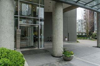 "Photo 2: 2301 1438 RICHARDS Street in Vancouver: Yaletown Condo for sale in ""AZURA I"" (Vancouver West)  : MLS®# R2194979"
