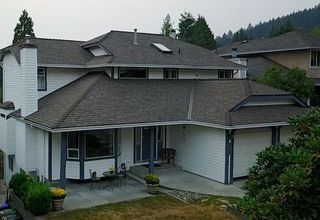 "Main Photo: 536 SAN REMO Drive in Port Moody: North Shore Pt Moody House for sale in ""NORTH SHORE"" : MLS®# R2204199"