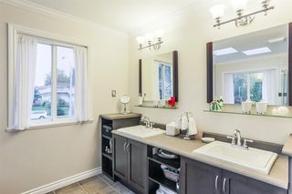Photo 10: 14038 84 Avenue in Surrey: Bear Creek Green Timbers House for sale : MLS®# R2214208