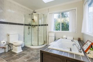 Photo 11: 14038 84 Avenue in Surrey: Bear Creek Green Timbers House for sale : MLS®# R2214208