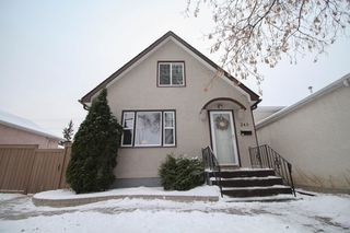 Photo 1: Beautiful remodeled 1.5 storey home for sale in the heart of West Kildonan