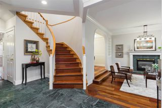 Photo 2: 8055 MONTCALM Street in Vancouver: Marpole House for sale (Vancouver West)  : MLS®# R2236288