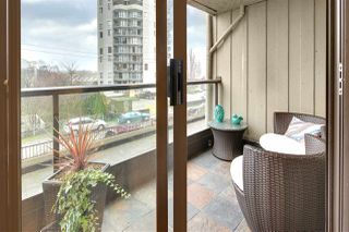 "Photo 1: 402 1040 PACIFIC Street in Vancouver: West End VW Condo for sale in ""Chelsea Terrace"" (Vancouver West)  : MLS®# R2239009"