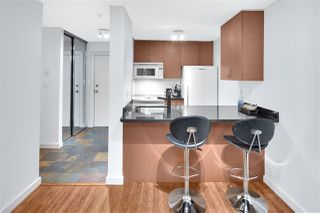 "Photo 8: 402 1040 PACIFIC Street in Vancouver: West End VW Condo for sale in ""Chelsea Terrace"" (Vancouver West)  : MLS®# R2239009"