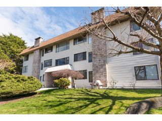 "Photo 2: 301 1410 BLACKWOOD Street: White Rock Condo for sale in ""Chelsea House"" (South Surrey White Rock)  : MLS®# R2248736"