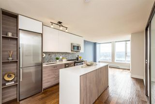 "Photo 2: 1610 550 TAYLOR Street in Vancouver: Downtown VW Condo for sale in ""The Taylor"" (Vancouver West)  : MLS®# R2251836"
