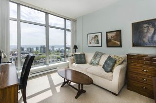 "Photo 10: 1005 160 E 13TH Street in North Vancouver: Central Lonsdale Condo for sale in ""The Grande"" : MLS®# R2266031"