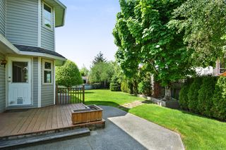 "Photo 18: 6289 187 Street in Surrey: Cloverdale BC House for sale in ""EAGLE CREST"" (Cloverdale)  : MLS®# R2266514"