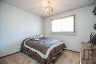 Photo 11: 404 Melrose Avenue West in Winnipeg: West Transcona Residential for sale (3L)  : MLS®# 1820414