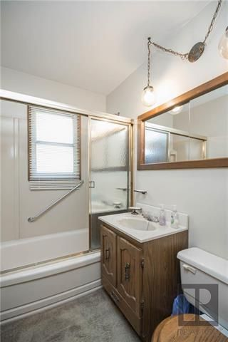 Photo 12: 404 Melrose Avenue West in Winnipeg: West Transcona Residential for sale (3L)  : MLS®# 1820414