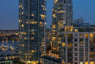 "Photo 19: 1404 238 ALVIN NAROD Mews in Vancouver: Yaletown Condo for sale in ""PACIFIC PLAZA"" (Vancouver West)  : MLS®# R2318751"