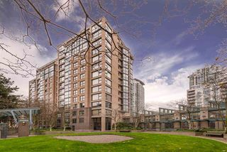 "Photo 2: 1404 238 ALVIN NAROD Mews in Vancouver: Yaletown Condo for sale in ""PACIFIC PLAZA"" (Vancouver West)  : MLS®# R2318751"