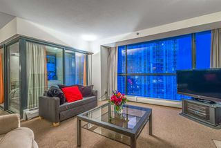 "Photo 6: 1404 238 ALVIN NAROD Mews in Vancouver: Yaletown Condo for sale in ""PACIFIC PLAZA"" (Vancouver West)  : MLS®# R2318751"