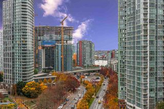 "Photo 1: 1404 238 ALVIN NAROD Mews in Vancouver: Yaletown Condo for sale in ""PACIFIC PLAZA"" (Vancouver West)  : MLS®# R2318751"