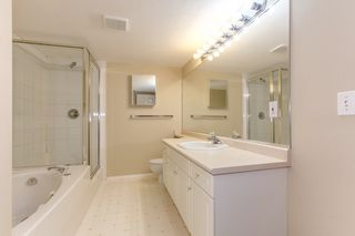 """Photo 16: 273 13888 70 Avenue in Surrey: East Newton Townhouse for sale in """"Chelsea Gardens"""" : MLS®# R2321990"""