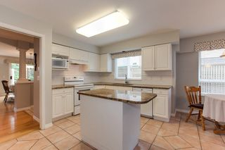 """Photo 5: 273 13888 70 Avenue in Surrey: East Newton Townhouse for sale in """"Chelsea Gardens"""" : MLS®# R2321990"""