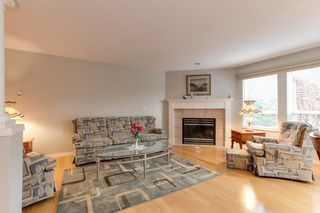"""Photo 2: 273 13888 70 Avenue in Surrey: East Newton Townhouse for sale in """"Chelsea Gardens"""" : MLS®# R2321990"""